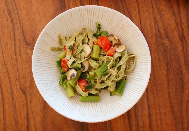 veganes Gericht - grüner Spargel2
